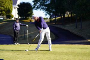 ゴルフのティーショットの瞬間