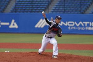 野球選手のピッチングの瞬間