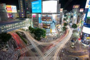 渋谷スクランブル交差点の夜景写真